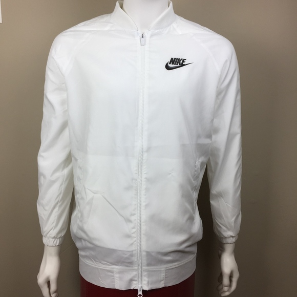 3900fbafaaf8 Mens Medium Nike Windbreaker White   Black. M 5a7e397a9d20f01bf3a290f9